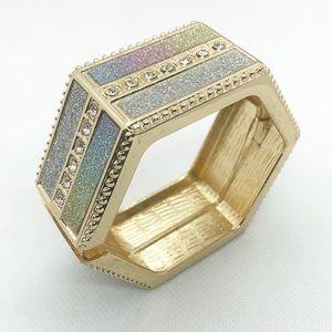 Jewelry - Goldtone Hinged Bracelet